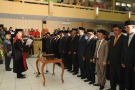 50 Anggota DPRD Lebak diambil Sumpah Janji
