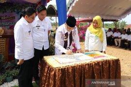 Bupati HSS resmikan kantor baru Kelurahan Jambu Hilir