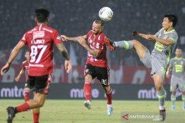 Bali United mantapkan berada dipuncak usai tundukkan Borneo 2-1