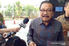 Mantan Gubernur Jatim Soekarwo diperiksa terkait pengadaan barang jasa