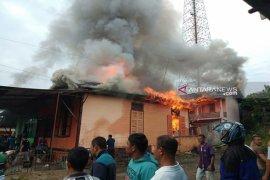 Tiga unit rumah terbakar di Kotanopan