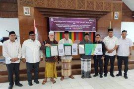 BPJS Ketenagakerjaan serahkan SKT ke pimpinan Dayah Aceh Utara.