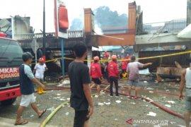 BPBD Sambas data korban kebakaran ruko di Pasar Pemangkat