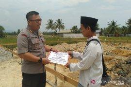 Polres Singkawang salurkan bantuan pembangunan rumah Tahfidz SQC