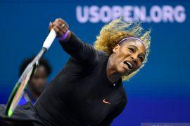 Serena bangkit dari kekalahan set pertama untuk kalahkan  McNally