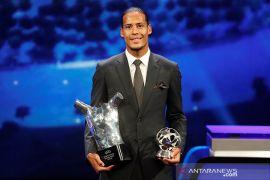 Virgil van Dijk sabet gelar Pemain Terbaik Eropa