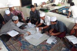 Program Adaro Santri Sejahtera latih siswa berwira usaha
