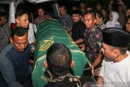 Almarhumah ibunda SBY dimakamkan di TPU Tanah Kusir