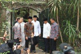Presiden Jokowi melayat ke rumah SBY