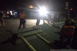 Karawang berharap pelintasan sebidang di Gorowong dibuka kembali
