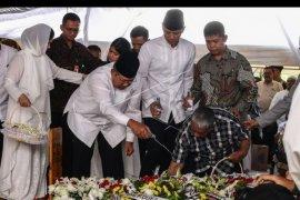 Pemakaman ibunda SBY