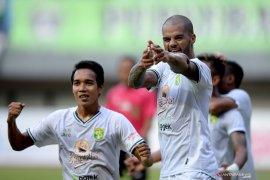 Liga 1: Persipura vs Persebaya 0-1, gol detik akhir David da Silva menangkan Bajul Ijo