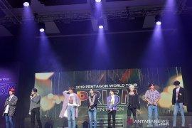 """Grup K-pop Pentagon nyanyikan lebih 20 lagu di konser """"Prism"""""""