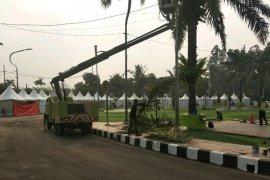 Budpar lakukan pemeliharaan lampu taman, jelang Festival Al Azhom