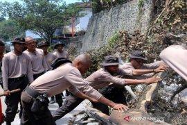 Mensos minta Pemda Papua segera data korban kerusuhan
