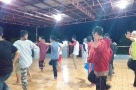 Antara TV - Peserta SMN asal Sultra belajar tarian tradisional Belitung