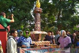 "Papua Terkini - Tarian Papua mewarnai kirab ""tebokan"" di Kudus"