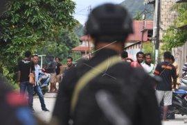 Pengamanan pascaunjuk rasa anarkis di Jayapura Page 1 Small
