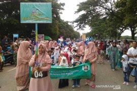 Ribuan anak sekolah meriahkan pawai tahun baru hijriah