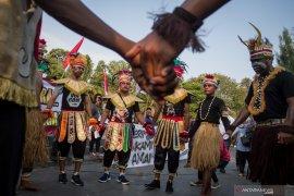 Membangun kembali hubungan harmonis pendatang dan penduduk asli Papua