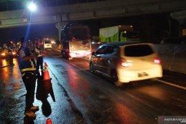 Arus lalu lintas kendaraan mulai pulih pascakecelakaan maut Cipularang