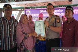 Polisi di Aceh Utara bantu buatkan akte kelahiran bagi anak desa