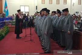 25 anggota DPRK Nagan Raya resmi dilantik