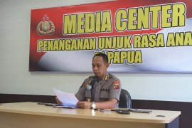 Warga serang aparat keamanan di Deiyai gunakan senpi TNI