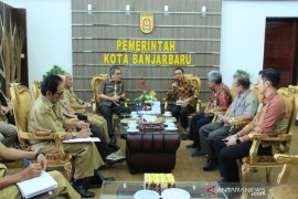 PAN-RB Ministry visits Banjarbaru to discuss public service outlet