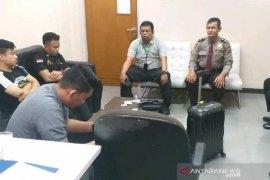 Kedapatan bawa alat hisap sabu, anggota Dewan diamankan petugas bandara