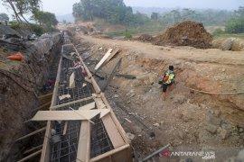 Proyek Penahan Dinding Jalan Tol Cipularang
