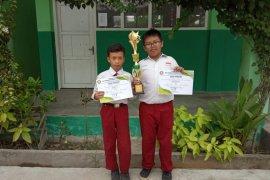 """""""Sikat Besi"""" bawa Siswa SDN 09 Pontianak Utara juara Karya Sains Junior"""