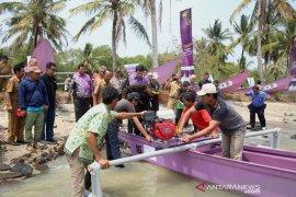 Nelayan korban tsunami Pandeglang dapat bantuan kapal
