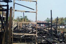 10 KK yang rumah terbakar di HST butuh bantuan