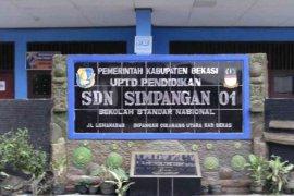 Ratusan SD dan SMP di Bekasi raih predikat standar nasional Kemendikbud