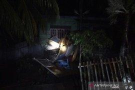 Sejumlah bangunan rusak berat diterjang angin kencang di Aceh Utara