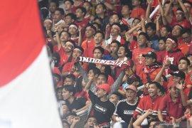 Simon McMenemy sebut suporter Indonesia terbaik sekaligus terburuk di dunia