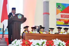 Gubernur : lulusan Unpatti Ambon harus mampu bersaing di revolusi industri
