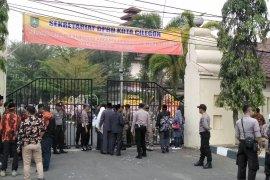 Aksi pembatasan peliputan oleh Kepolisian dan Sekretariat DPRD Kota Cilegon