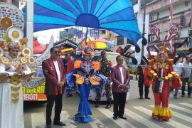 Amboina musik karnaval jelang HUT kota Ambon sedot perhatian warga