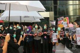 KPK lakukan aksi minta Presiden Jokowi bertindak