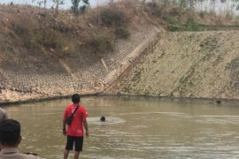 Tiga pekerja proyek tewas akibat tenggelam di Dam Wates  Madiun