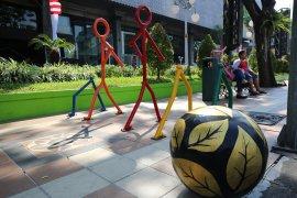 Pemasangan bollard Surabaya lindungi pejalan kaki
