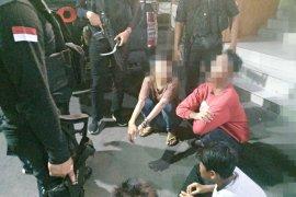 Polisi ringkus empat pemuda pelaku pemalakan di Pasar Tomang