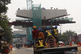 Rekayasa arus lalu lintas diberlakukan saat pemasangn box girder Tol BORR sesi IIIA