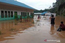 Desa Sampuran dilanda banjir, puluhan rumah warga terendam air