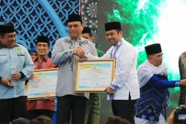 BKPRMI Award di Festival Al Azhom diberikan pada sembilan tokoh nasional