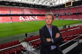Manchester United ingin pulangkan Van Der Sar  untuk bantu Solskjaer