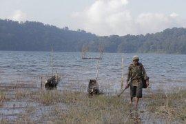 Tangkapan ikan nelayan di Danau Tamblingan menurun