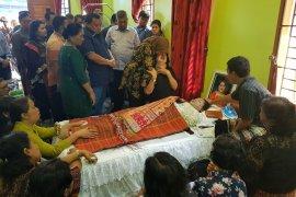 Wali Kota Sibolga hibur wakilnya yang sedang berduka